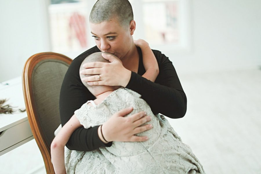 mother with child with cancer